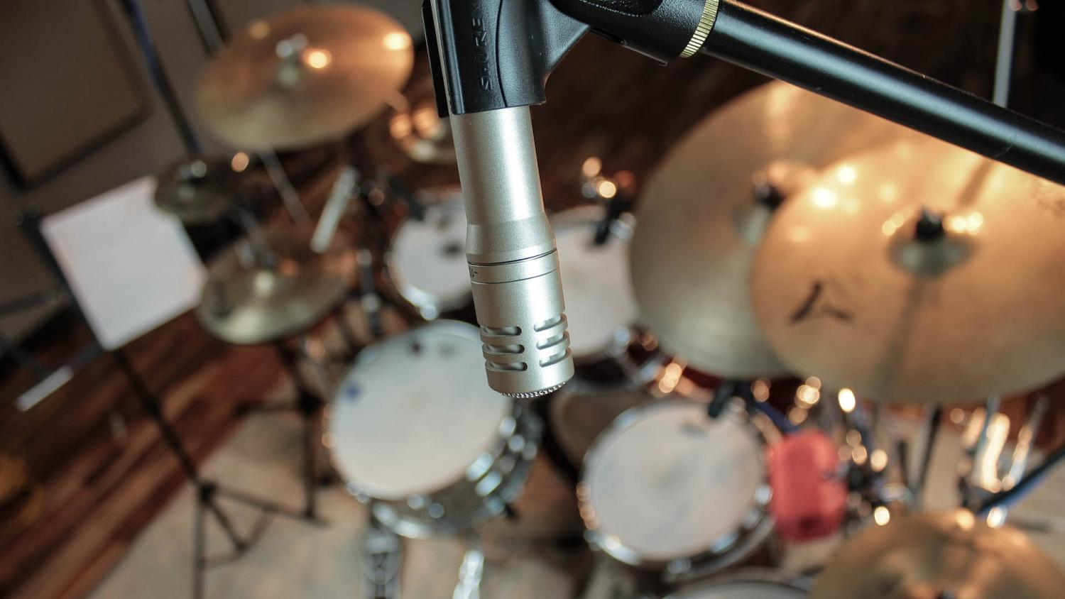 Sm81 mics used as overheads to capture more focused sound of the drums, as a classic drum tracks option for online drum tracks